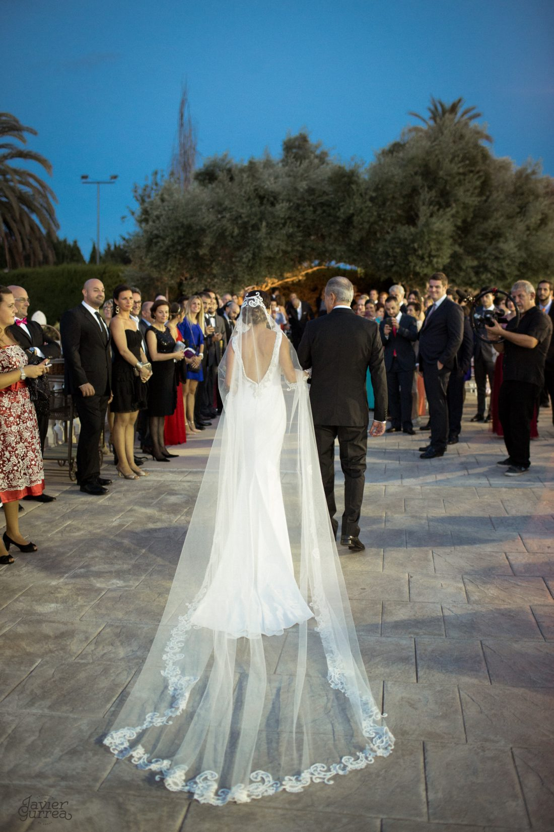 novios en su ceremonia de boda