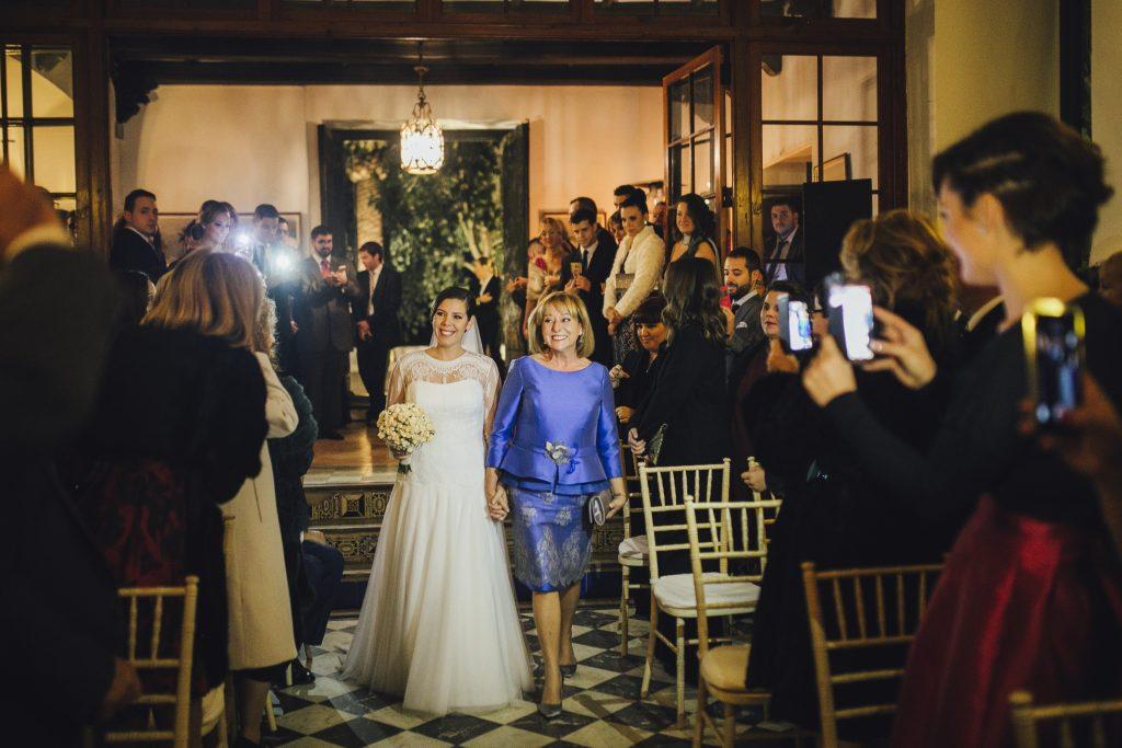 entrada de la novia al altar