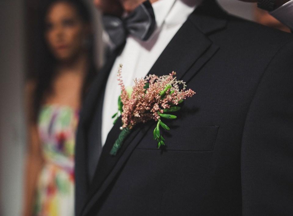 prendido-novio-flores-boda