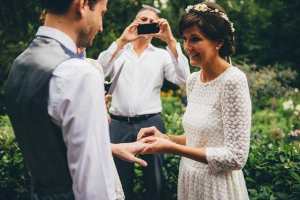 Cellphone-Free-Wedding