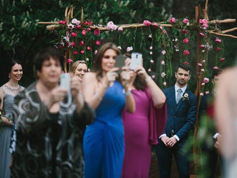 No-phones-at-weddings