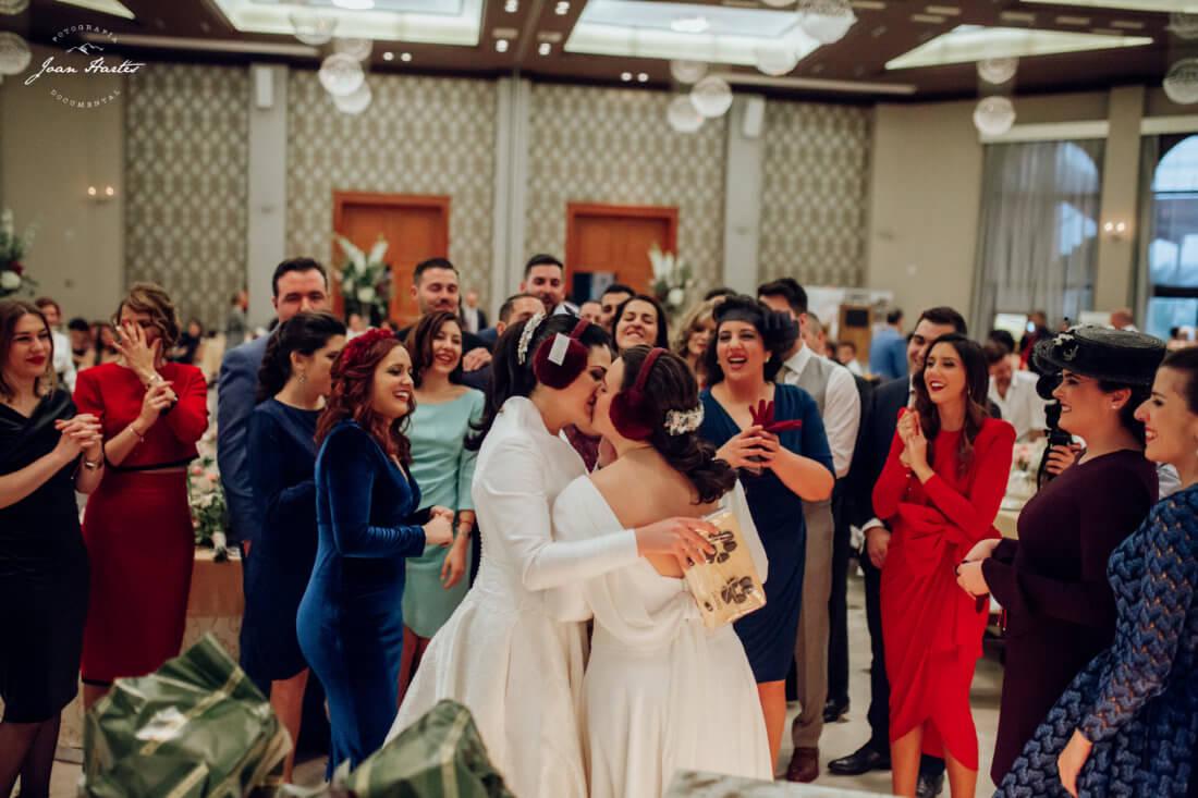 beso novias
