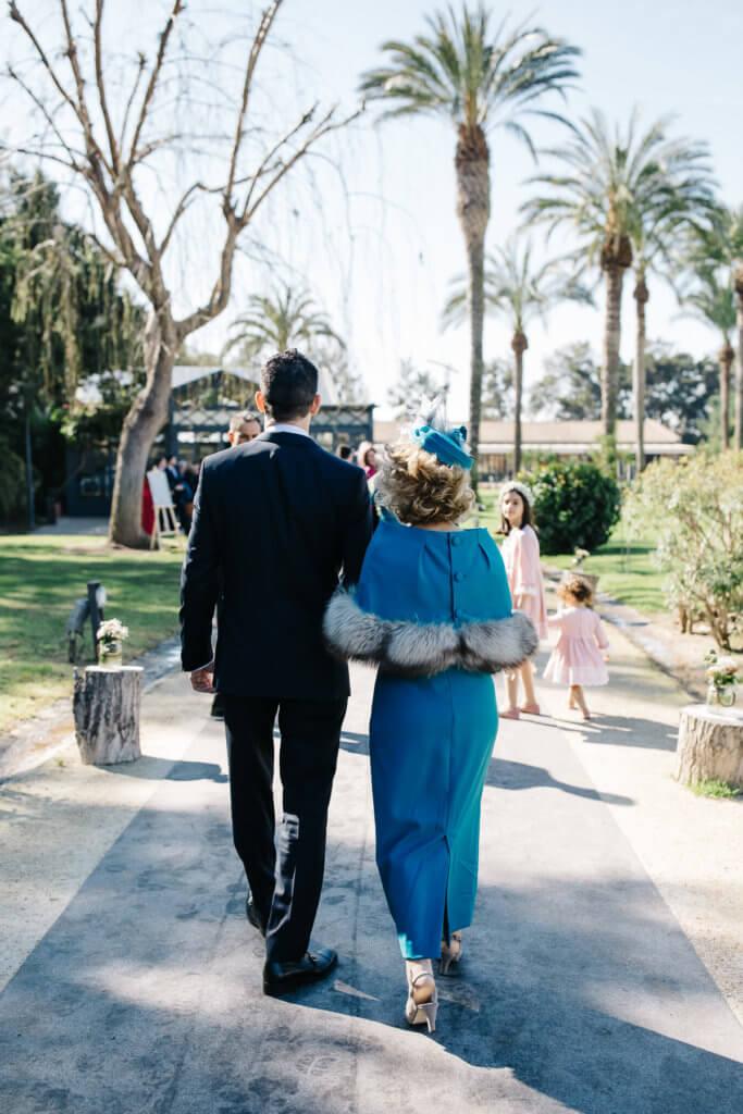 entrada de novio en su boda