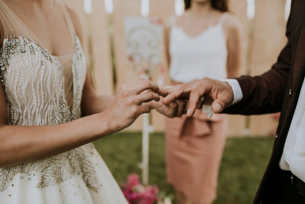 Spanish wedding celebrant