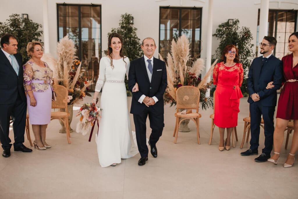 Entrada de la novia a la ceremonia